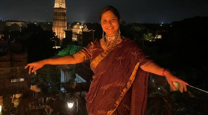 Journalist not allowed to enter restaurant in Delhi for wearing Saree | Sangbad Pratidin