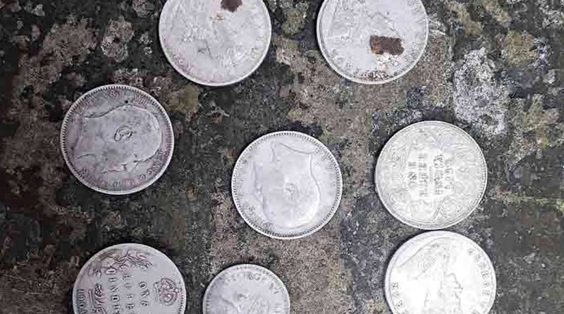 30 slilver coins of hundred years old recoverd in Gajipur, Bangladesh | Sangbad Pratidin