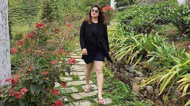 Tollywood actress Srabanti Chatterjee shares hot picture in social media । Sangbad Pratidin