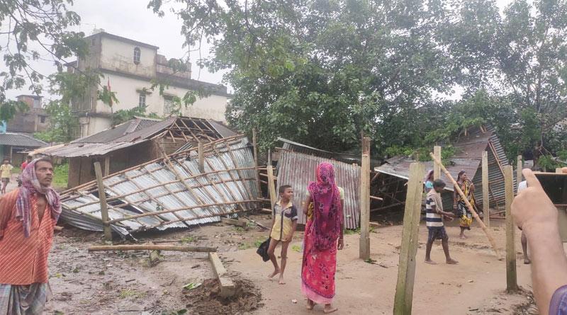 Mini Tornedo hits Paschim Medinipore damages 100 houses | Sangbad Pratidin