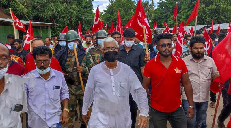 Former Tripura CM Manik Sarkar's convoy attacked, BJP accussed | Sangbad Pratidin