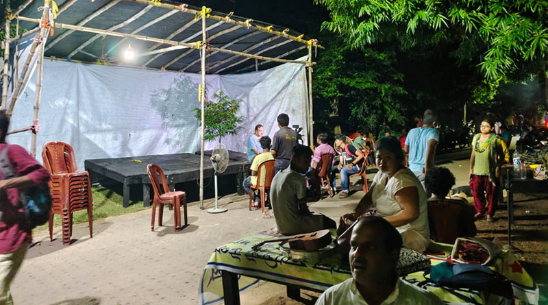 Students of Visva-Bharati University started sitting protest | Sangbad Pratidin