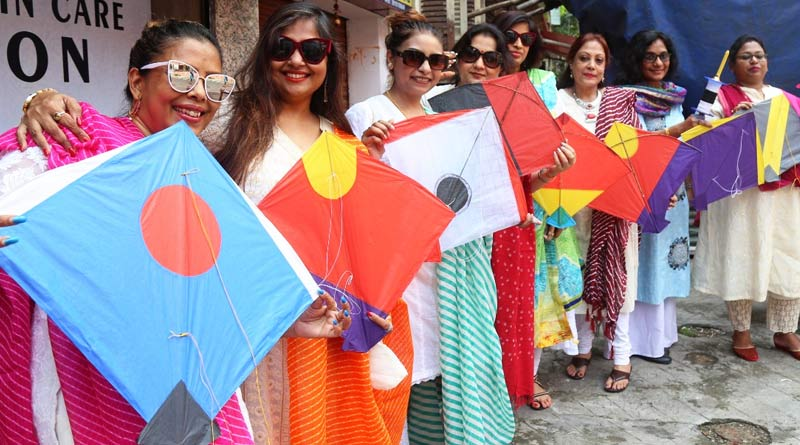 Kolkata celebrates Biswakarma Puja amidst corona pandemic | Sangbad Pratidin Photo Gallery: News Photos, Viral Pictures, Trending Photos - Sangbad Pratidin