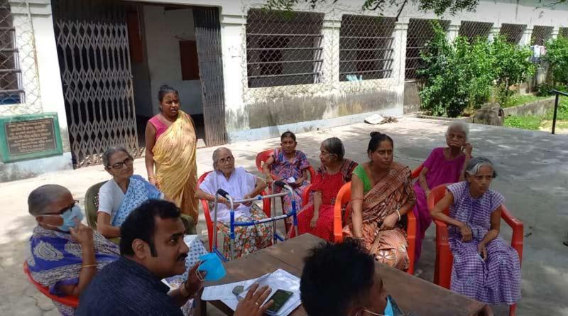Asansol Municipality brings duare sarkar camps in oldage home | Sangbad Pratidin