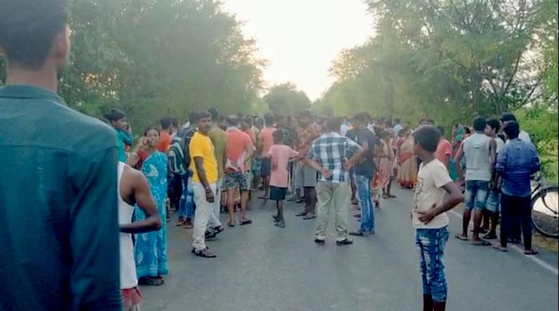 Lorry crushed to death 3 women in Farakka | Sangbad Pratidin