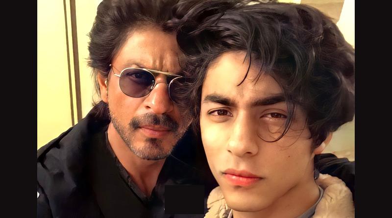 Shah Rukh Khan reaches Mumbai's Arthur Road Jail to meet son Aryan | Sangbad Pratidin
