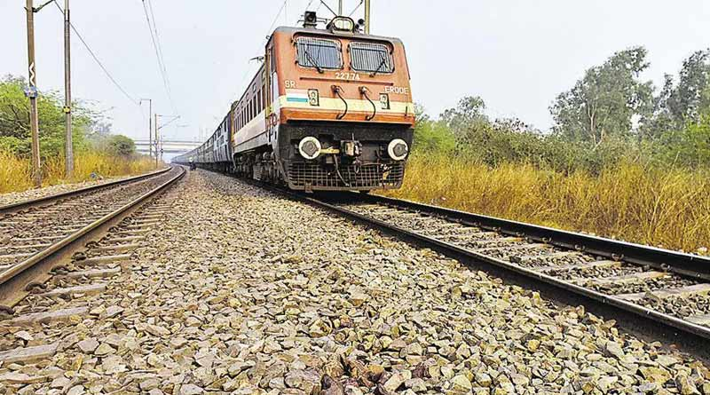 Woman died run over by running train at Barrackpore as she used a headphone while crossing the rail track | Sangbad Pratidin
