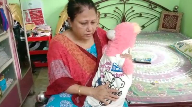 Durga puja becomes dampen for these Dum Dum families । Sangbad Pratidin