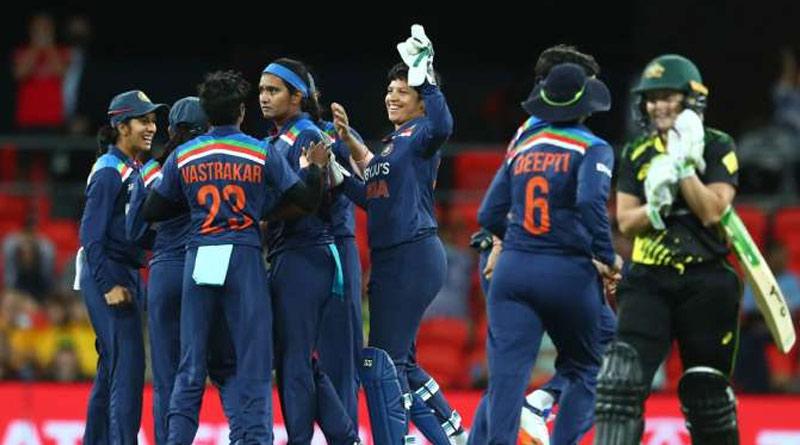 'Ball of the century, women's cricket edition!': Shikha Pandey dismisses Alyssa Healy with stunning delivery | Sangbad Pratidin