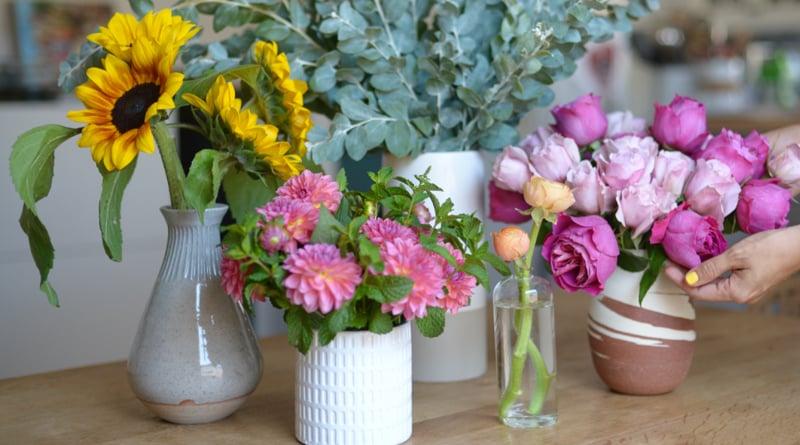 6 easy way to keep flowers fresh | Sangbad Pratidin