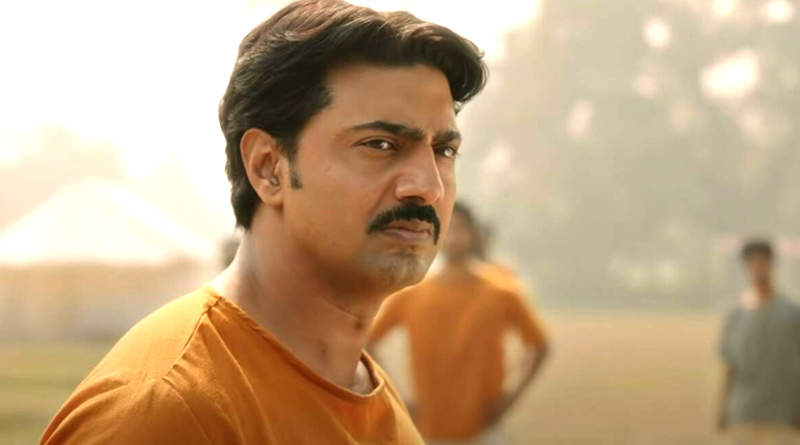 Here is the review of Dev starrer Bengali Movie Golondaaj | Sangbad Pratidin