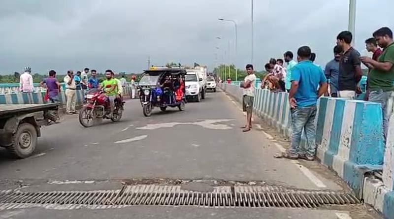 Connection between Krishnanagar-Bardhaman severed due to bridge damage। Sangbad Pratidin