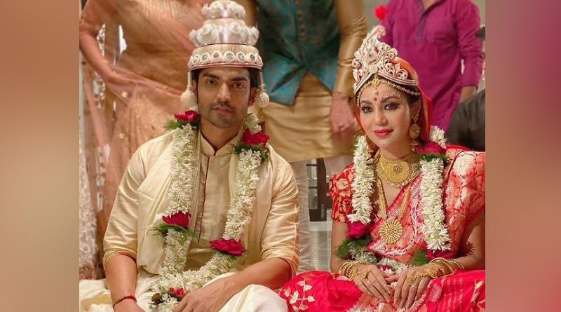 Gurmeet Choudhary and Debina bonnerjee getting married in bengali style | Sangbad Pratidin