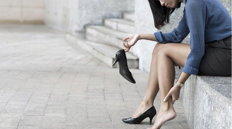 High heel may cause damage in feet | Sangbad Pratidin