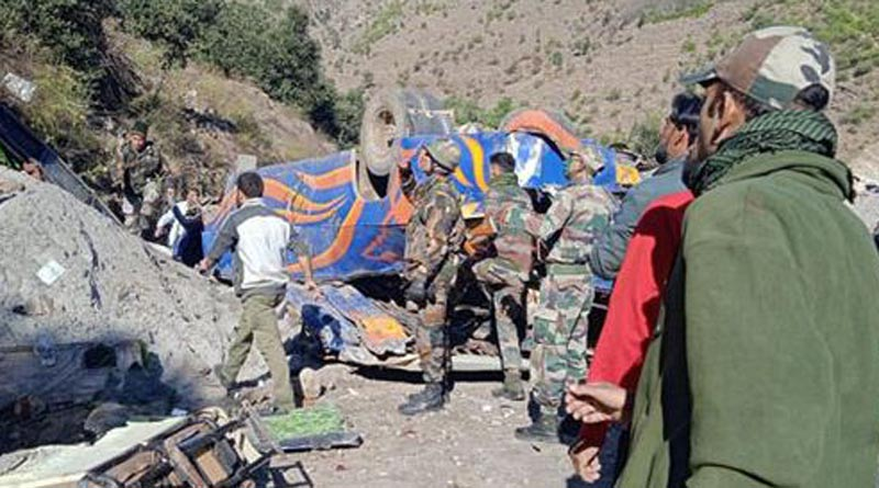8 dead several injured after Bus fell into gorge in Jammu and Kashmir। Sangbad Pratidin