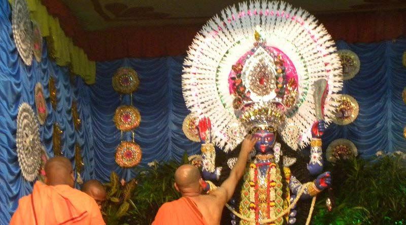 Mistake in Mantra recitation during Kali puja may spell doom, warn priests | Sangbad Pratidin