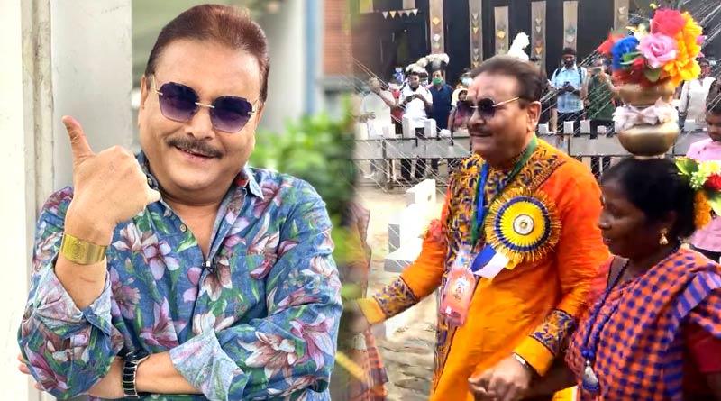 MLA Madan Mitra dances at Chorebagan Sarbojanin Durga Puja pandal | Sangbad Pratidin