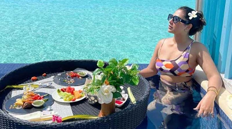 Subhashree Ganguly's new photo from Maldives goes Viral | Sangbad Pratidin