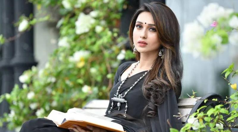 Mimi Chakraborty Shares new story on instagram | Sangbad Pratidin