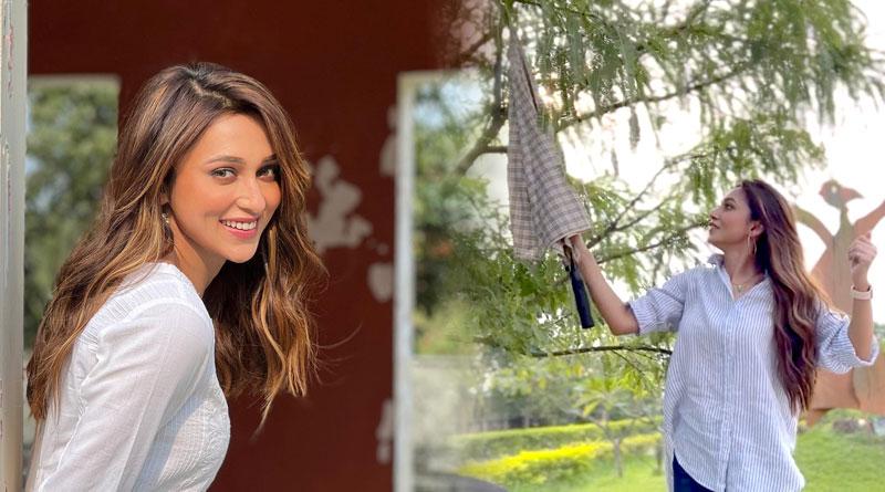 Mimi Chakraborty Shared her Indian gooseberry plucking Video | Sangbad Pratidin