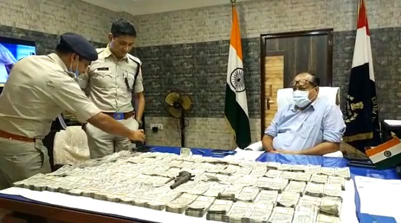 60 lakh rupee snatched goons, 5 accused arrested