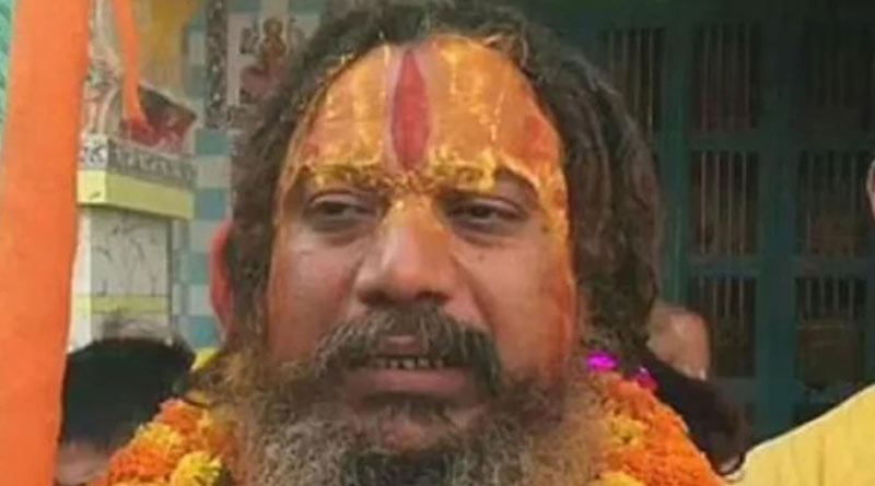 Mahant Paramhansa house arrests by UP Police to take Jal Samadhi | Sangbad Pratidin