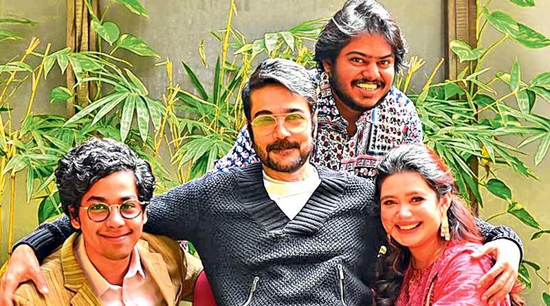 Prosenjit Chatterjee and Riddhi Sen in Pavel's New Film | Sangbad Pratidin