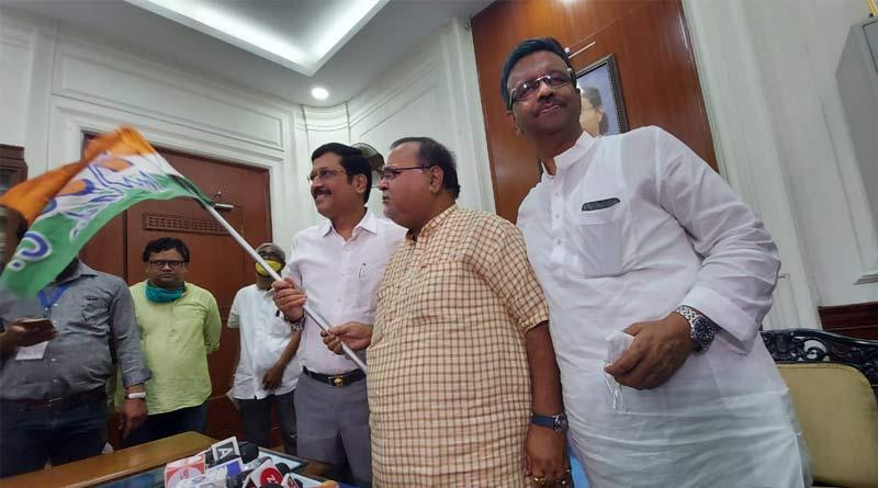 BJP leader Sabyasachi Dutta Joins TMC | Sangbad Pratidin