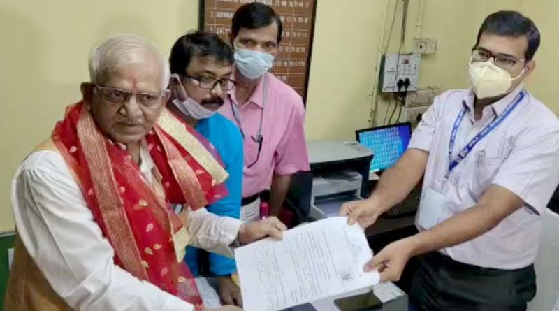 TMC candidate of Khardah byelection Sovandeb Chattopadhyay files nomination after visiting temples | Sangbad Pratidin