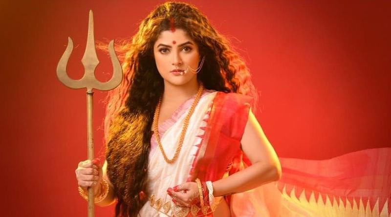 Actress Srabanti Chatterjee trolled for her mahalaya special photoshoot | Sangbad Pratidin