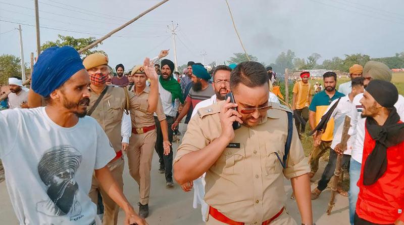Rahul, Priyanka Gandhi reach violence-hit Lakhimpur Kheri। Sangbad Pratidin
